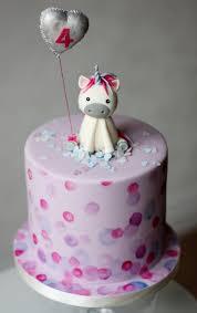 how to make a cake topper figurine made of
