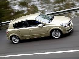 opel astra 2005 red opel astra 5 doors specs 2004 2005 2006 2007 autoevolution