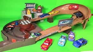 disney cars 3 toys thomasville racing speedway trackset playset