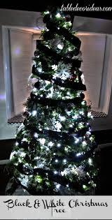 table decor idea chevron black u0026 white christmas theme