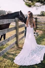 Backyard Wedding Dress Ideas Best 25 Wedding Entourage Ideas On Pinterest Wedding Entourage