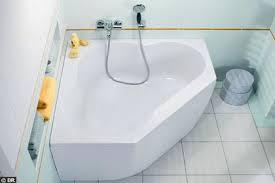 lapeyre baignoire la nouvelle vague des petites baignoires côté maison