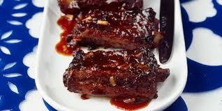 cuisiner travers de porc travers de porc sauce piquante recettes femme actuelle