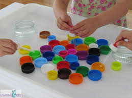 water play with eye droppers learning 4