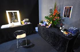 ema 2017 coverage mtv offers a look inside dressing room area