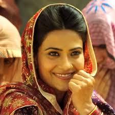 angrej movie punjabi aditi sharma wallpaper aditi sharma photo