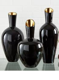 25 Best Ideas About Crystal Vase On Pinterest Vases Best 25 Black Vase Ideas On Pinterest Candle Tray Tray Styling
