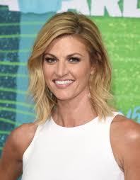 erin andrews medium layered cut shoulder length hairstyles