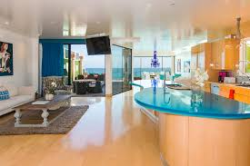 Eclectic Modern Beach House A Fantastic Example Of Mix And Match - Modern beach house interior design