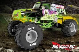 grave digger monster truck merchandise axial smt10 grave digger monster jam truck with video big squid rc