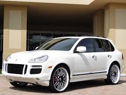 cayenne porsche 2010 2010 porsche cayenne photos and wallpapers trueautosite