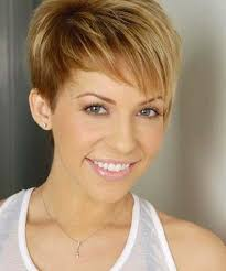 show me some short hairstyles for women tips to make some cute short haircuts