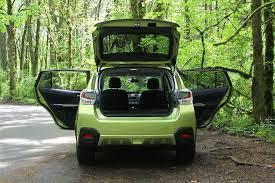 subaru crosstrek green 2014 subaru xv crosstek hybrid review digital trends