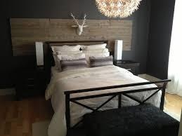 chambre deco bois tablette la lit grange couette meme construire bois maison peinture