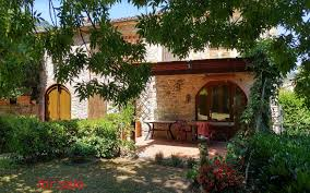 lucca real estate agency tuscany