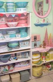 kitchen collectables store best 25 pyrex display ideas on pinterest pyrex vintage pyrex