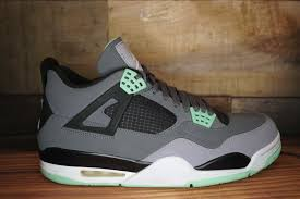 green glow 4 air 4 retro green glow 2013 used original box size 13 2210