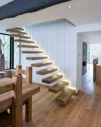 treppen holzstufen led treppenbeleuchtung innen ideen indirekt schwebende treppen