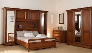 chambre adulte en bois massif exceptionnel chambre adulte couleur taupe 7 armoire chambre