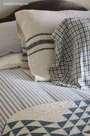 White Quilt Bedroom Ideas Best 25 Farmhouse Quilts Ideas Only On Pinterest Quilt Racks