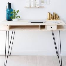 Diy Modern Desk Craftgawker Make This Easy And Modern Desk With Hairpin