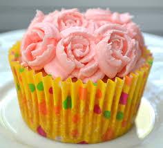 vanilla cupcakes buttercream u0026 russian style piping