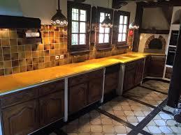 lave cuisine cuisine en de lave émaillée bords bec de corbin couleur