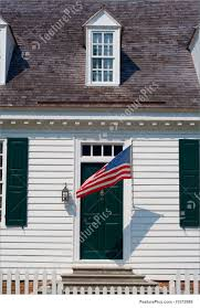 picture of white colonial house front