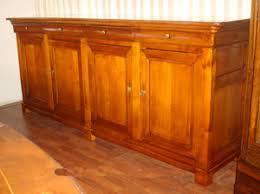 credenza antica stile mobili antichi riconoscere comprare e vendere