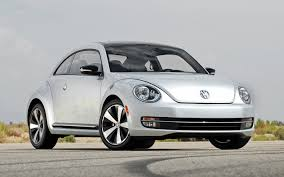 volkswagen beetle 2012 volkswagen beetle and beetle turbo first test motor trend
