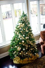 festive home tour classic in gold and silver