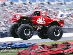 bigfoot the monster truck mac tools bigfoot the bigfoot racing team pinterest racing