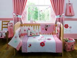 Minnie Bedroom Set by Toddler Bed Minnie Mouse Toddler Bed Girly Charming Bedding