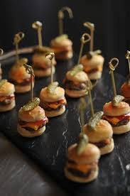 recette canap ap ro mini burger canapes although i would prefer just a slice of dill