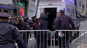 thanksgiving parade tv schedule protesters arrested at macy u0027s thanksgiving day parade nypd nbc