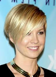 layered wedge haircut for women layered short wedge hairstyle for women styles weekly
