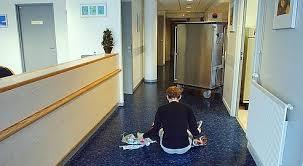 chambre d isolement en psychiatrie psychiatrie une réforme pour améliorer l accès aux soins