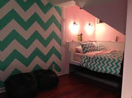 Teen Room by Chevron Painted Wall In Teen Room Room Ideas Pinterest