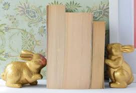 bunny bookends 40 decorative diy bookends to spruce up your shelves cool crafts