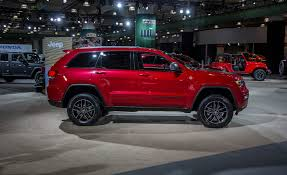jeep trailhawk 2017 jeep grand cherokee pictures photo gallery car and driver