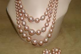 earrings hong kong beautiful 1950 s hong kong three strand pink faux pearl necklace