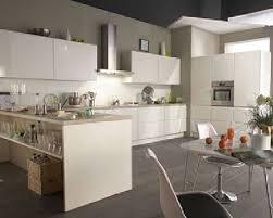 meuble blanc de cuisine cuisine équipée blanche laqué flash cuisine but
