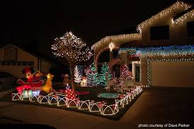 Christmas Lights For Stair Banisters Outdoor Christmas Decorating Ideas For An Amazing Porch
