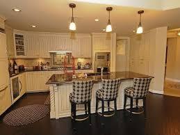 Cottage Kitchen Island Cottage Kitchen With Kitchen Island U0026 Breakfast Bar In Scottsdale