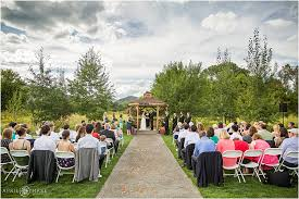 Chatfield Botanic Garden A Day For An Outdoor Wedding At Chatfield Botanic Gardens In