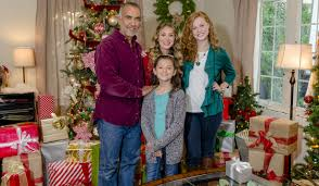 soap stars in hallmark u0027s countdown to christmas movie premieres