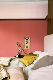 Green Bedroom Wall What Color Bedspread Best 25 Coral Walls Bedroom Ideas Only On Pinterest Coral