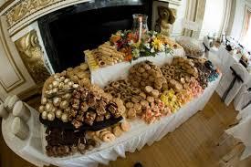wedding cookie table ideas the cookie table diy reception ideas idées de fête sablés et cookies