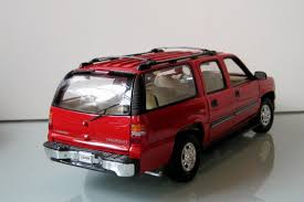 chevrolet suburban red chevrolet suburban modelcar welly 1 18 in red owned by u0027lupolo u0027