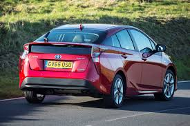 toyota prius hatchback 2015 running costs parkers
